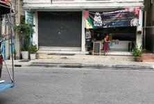 For Rent Retail Space 88 sqm in Mueang Samut Prakan, Samut Prakan, Thailand