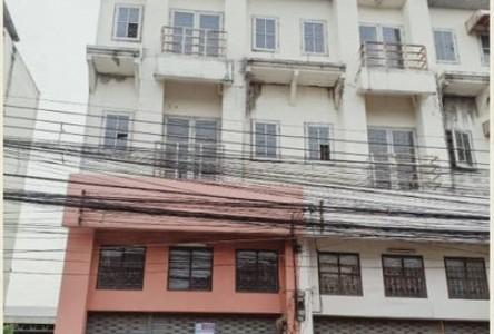 For Rent Retail Space 200 sqm in Thanyaburi, Pathum Thani, Thailand