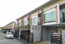 For Sale 3 Beds タウンハウス in Thung Khru, Bangkok, Thailand