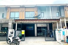 For Sale 3 Beds Townhouse in Bang Sao Thong, Samut Prakan, Thailand