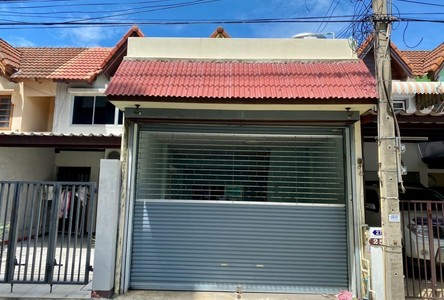 For Sale 2 Beds Townhouse in Mueang Nonthaburi, Nonthaburi, Thailand