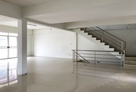 For Sale or Rent Business 450 sqm in Mueang Chiang Mai, Chiang Mai, Thailand