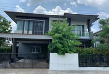 For Rent 5 Beds House in Taling Chan, Bangkok, Thailand