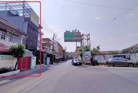 For Sale Retail Space 210 sqm in Phra Khanong, Bangkok, Thailand