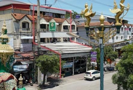 For Sale Retail Space 864 sqm in Bang Phli, Samut Prakan, Thailand