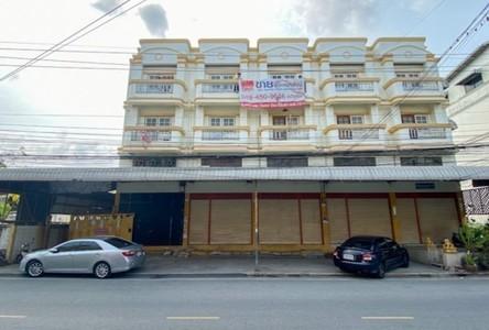 For Sale Retail Space 840 sqm in Mueang Samut Prakan, Samut Prakan, Thailand