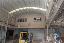 For Rent Retail Space 1,800 sqm in Mueang Samut Prakan, Samut Prakan, Thailand