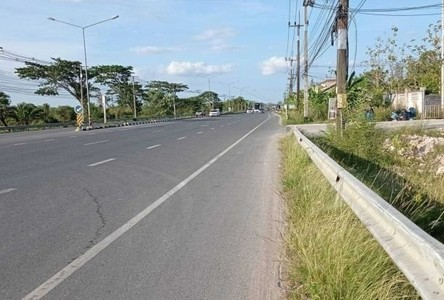 For Sale Land 3,322 sqm in Phra Phrom, Nakhon Si Thammarat, Thailand