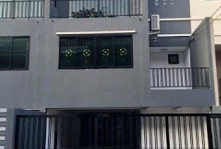 For Rent 6 Beds タウンハウス in Chatuchak, Bangkok, Thailand