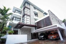 For Rent 4 Beds 一戸建て in Khlong Toei, Bangkok, Thailand