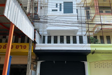 For Sale 3 Beds Shophouse in Uthai, Phra Nakhon Si Ayutthaya, Thailand