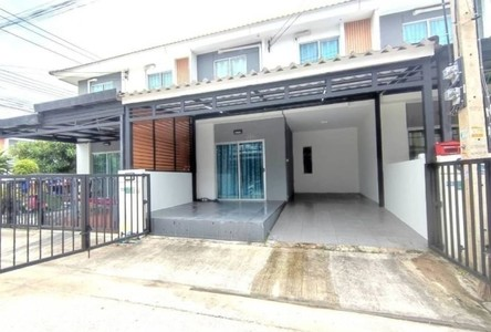 For Sale or Rent 3 Beds Townhouse in Khlong Luang, Pathum Thani, Thailand