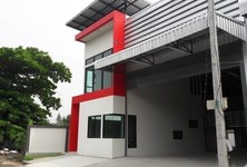 For Rent Warehouse 330 sqm in Lam Luk Ka, Pathum Thani, Thailand
