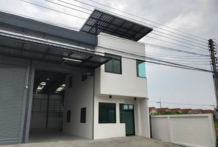 For Rent Warehouse 250 sqm in Lam Luk Ka, Pathum Thani, Thailand