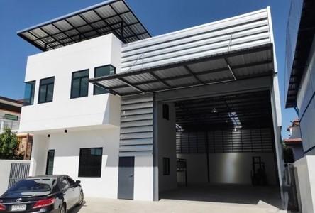 For Rent Retail Space 330 sqm in Lam Luk Ka, Pathum Thani, Thailand