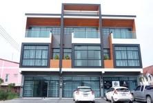 For Sale Retail Space 230 sqm in Lam Luk Ka, Pathum Thani, Thailand
