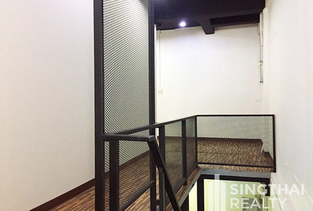 For Rent 1 Bed Townhouse in Khlong Toei, Bangkok, Thailand