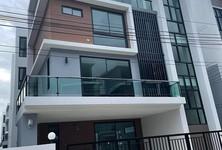 For Rent 7 Beds Townhouse in Bang Phli, Samut Prakan, Thailand
