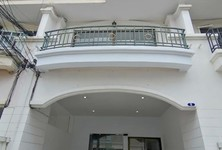 For Rent 4 Beds Townhouse in Mueang Nonthaburi, Nonthaburi, Thailand