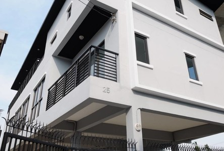 For Rent Retail Space 80 sqm in Suan Luang, Bangkok, Thailand