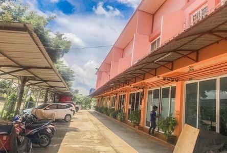For Rent Retail Space 135 sqm in Lam Luk Ka, Pathum Thani, Thailand