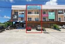 For Sale 6 Beds Townhouse in Mueang Nakhon Si Thammarat, Nakhon Si Thammarat, Thailand