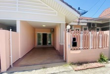 For Sale 2 Beds Townhouse in Bang Lamung, Chonburi, Thailand
