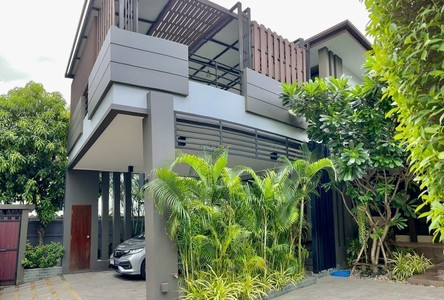 For Sale or Rent 4 Beds House in Watthana, Bangkok, Thailand