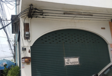 For Rent 4 Beds Shophouse in Sam Phran, Nakhon Pathom, Thailand