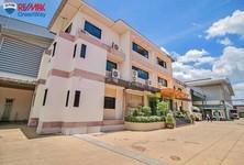 For Sale Warehouse 4,189 sqm in Krathum Baen, Samut Sakhon, Thailand