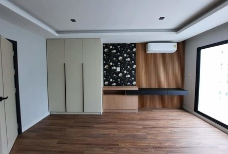 For Sale or Rent 3 Beds Townhouse in Phra Khanong, Bangkok, Thailand