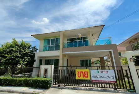 For Sale 3 Beds House in Sai Noi, Nonthaburi, Thailand