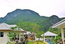 For Sale 5 Beds House in Sam Roi Yot, Prachuap Khiri Khan, Thailand