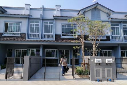 For Rent 2 Beds Townhouse in Krathum Baen, Samut Sakhon, Thailand