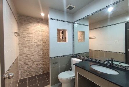 For Rent 3 Beds Townhouse in Mueang Chiang Mai, Chiang Mai, Thailand