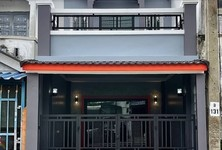For Sale 2 Beds Townhouse in Sai Noi, Nonthaburi, Thailand