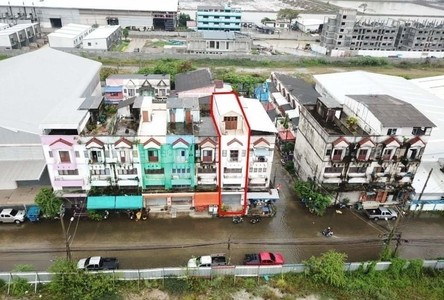 For Sale 3 Beds Shophouse in Bang Sao Thong, Samut Prakan, Thailand