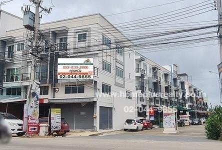 For Sale Retail Space 102 sqm in Phra Samut Chedi, Samut Prakan, Thailand
