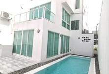 For Rent 4 Beds Townhouse in San Sai, Chiang Mai, Thailand