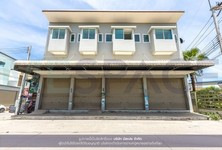 For Sale or Rent 2 Beds Townhouse in Sam Phran, Nakhon Pathom, Thailand