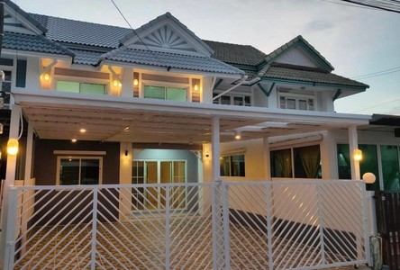 For Sale 4 Beds Townhouse in Bang Yai, Nonthaburi, Thailand