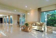 For Sale 5 Beds House in Bang Yai, Nonthaburi, Thailand