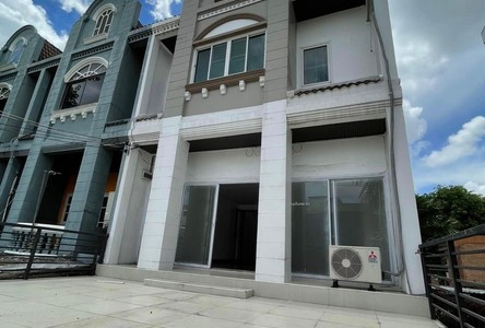 For Sale or Rent 6 Beds Townhouse in Wang Thonglang, Bangkok, Thailand
