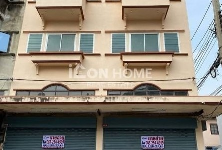 For Sale Retail Space 144 sqm in Mueang Pathum Thani, Pathum Thani, Thailand