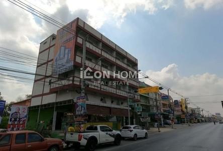 For Sale Retail Space 204 sqm in Lam Luk Ka, Pathum Thani, Thailand