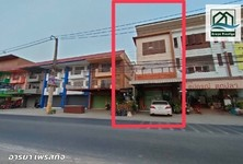 For Sale Retail Space 122 sqm in Lam Luk Ka, Pathum Thani, Thailand