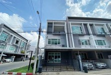 For Sale 3 Beds Townhouse in Suan Luang, Bangkok, Thailand