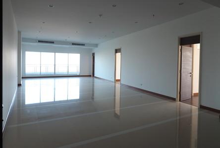 For Rent 4 Beds Condo in Yan Nawa, Bangkok, Thailand