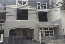 For Rent 6 Beds Townhouse in Khlong Toei, Bangkok, Thailand