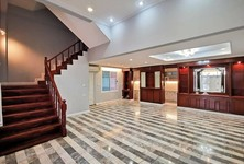 For Rent 6 Beds Townhouse in Yan Nawa, Bangkok, Thailand